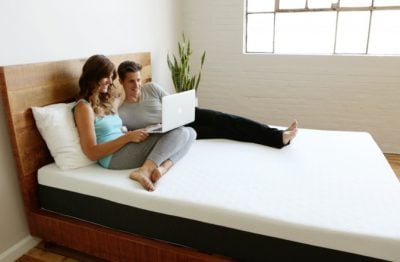 Bear mattress review - couple on bed