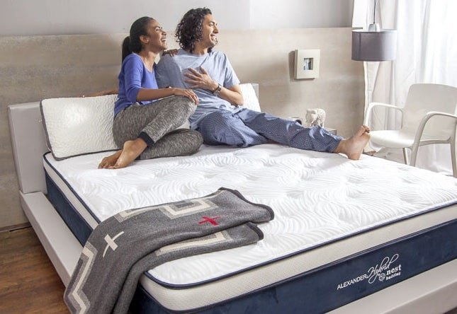 Nest Alexander Hybrid Signature Select mattress review - motion control