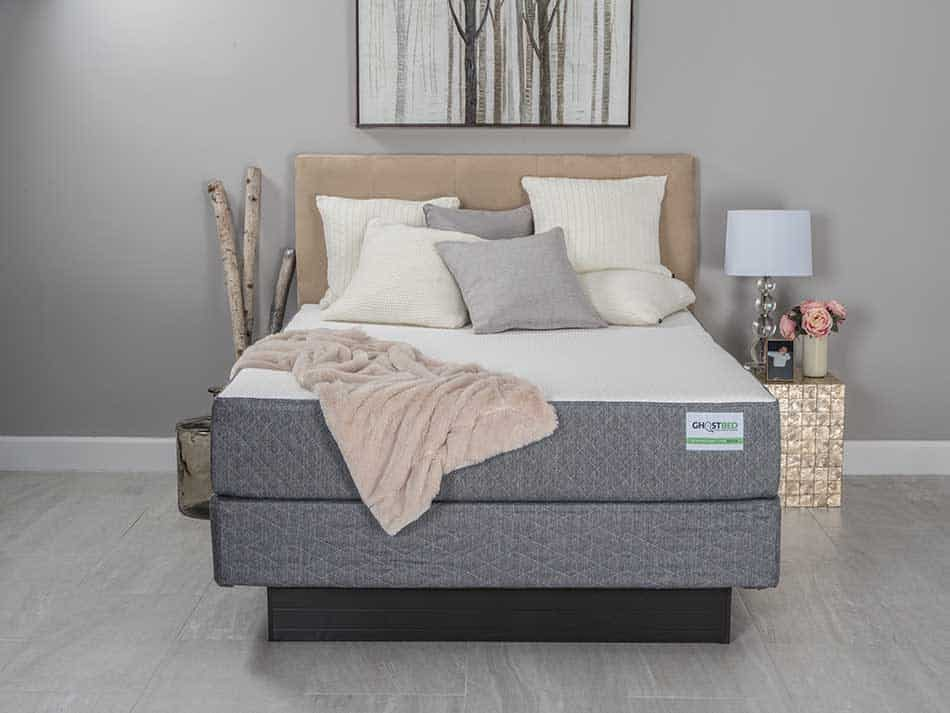 leesa vs ghostbed mattress comparison and review. Black Bedroom Furniture Sets. Home Design Ideas