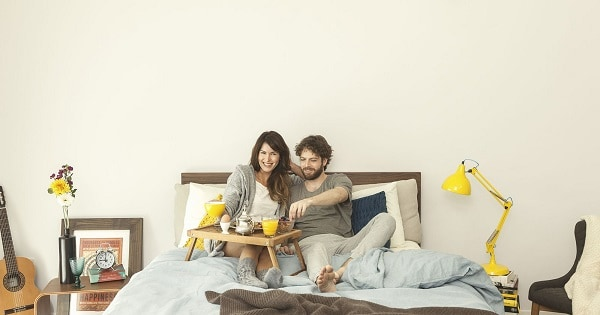 Mattress shopping tips for couples - weight