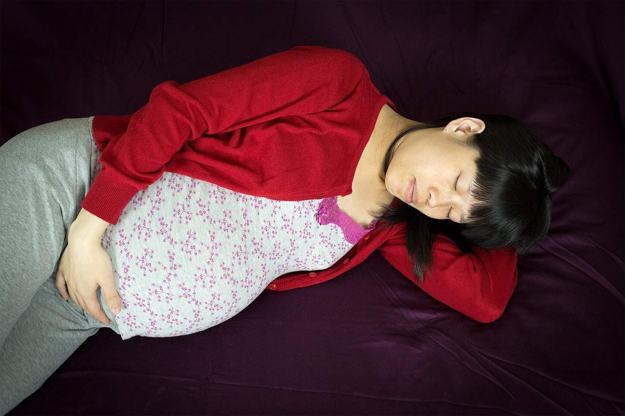 Sleeping on your side when pregnant