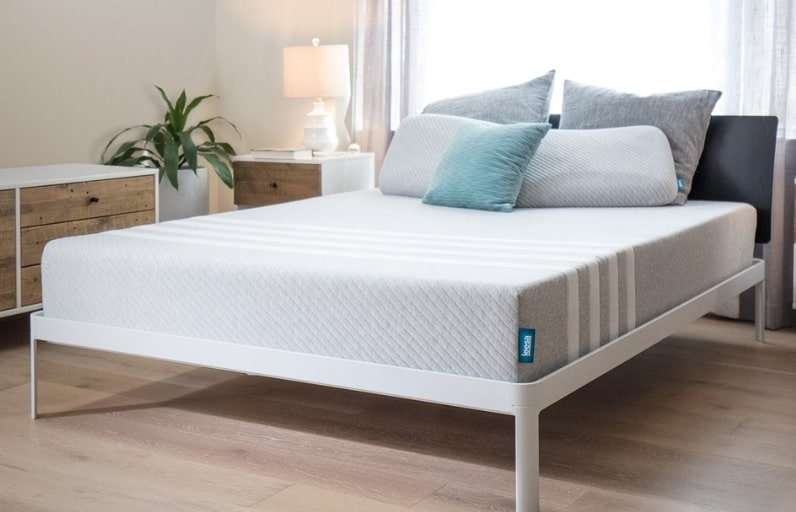 Leesa mattress foundation