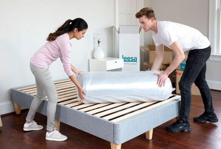 Unboxing the leesa mattress