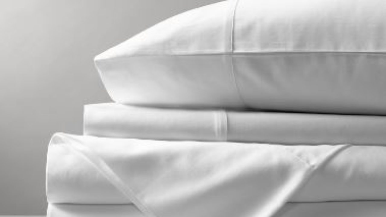 Best Sheets 2020.Parachute Vs Brooklinen Vs Saatva Vs Boll Branch Best