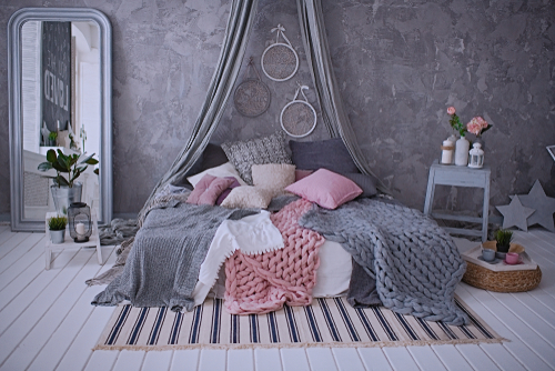 Farmhouse Bedrooms In Gray with Knitted Duvet
