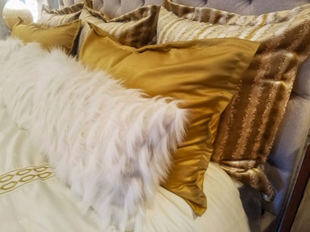 what is a sham in a comforter set